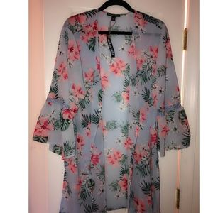 Beautiful Floral Kimono / Cover Up